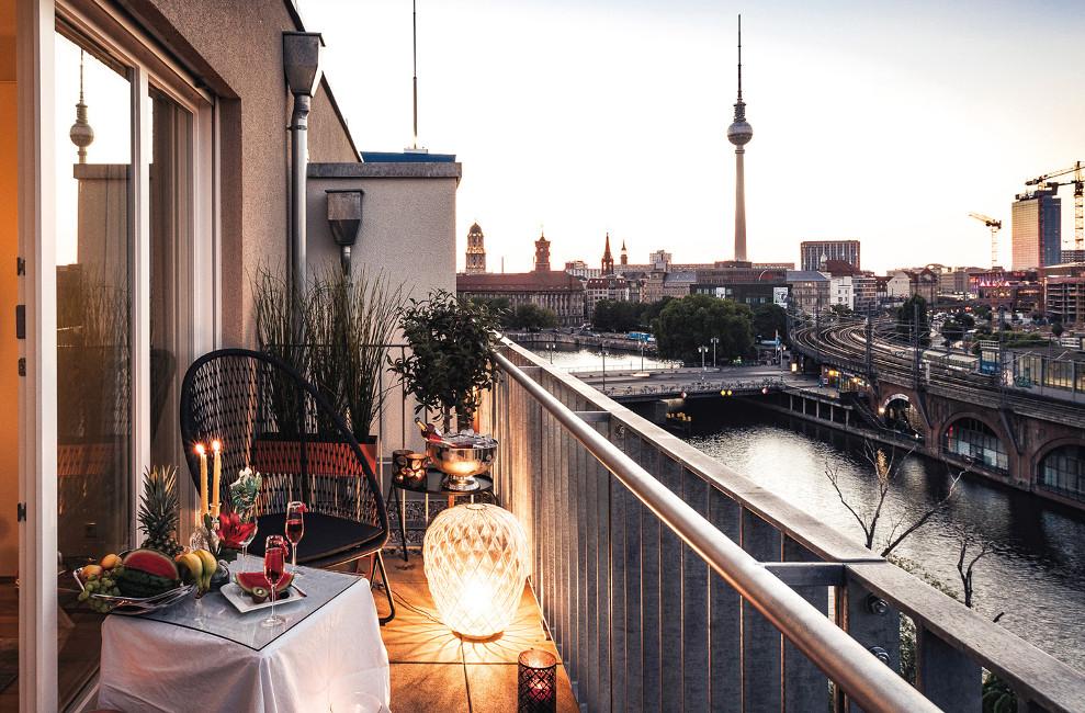 Sonderthema_coMitte_RNG23-7762-2_ret_ML_CMYK Wohnimmobilien der Extraklasse in Berlin