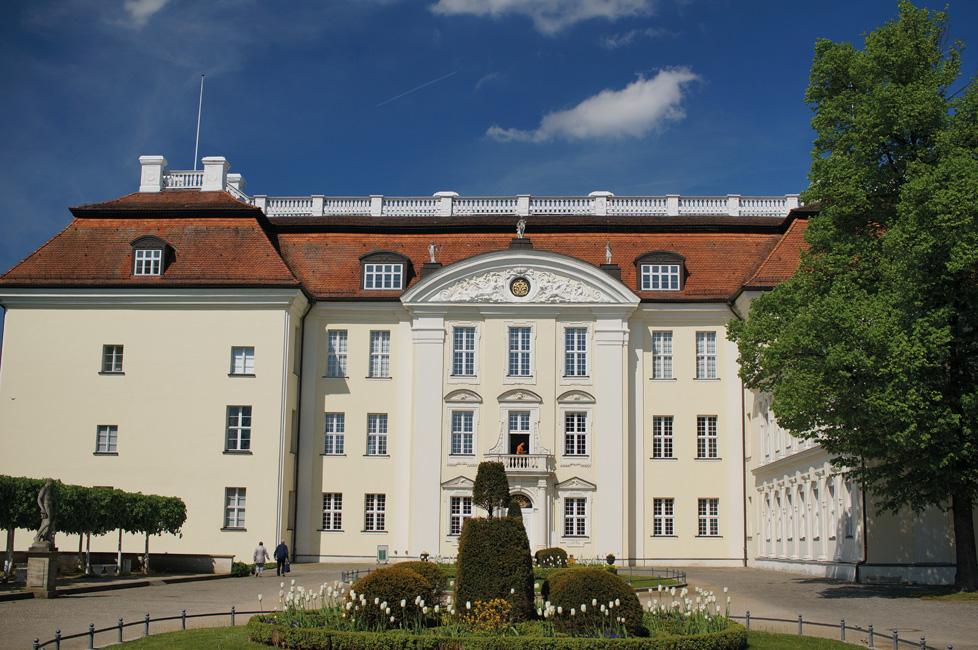 Bezirksvorstellung_Treptow-Koepenick_Schloss_Koepenick_26838726652 Treptow-Köpenick