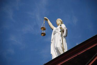 Rechtsberatung_case-law-677940_1920_pixabay