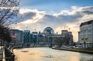 Bezirksvorstellung_Berlin_Andreas-Höft_Regierungsviertel_Reichstag-1-300x199 Berlin Mitte