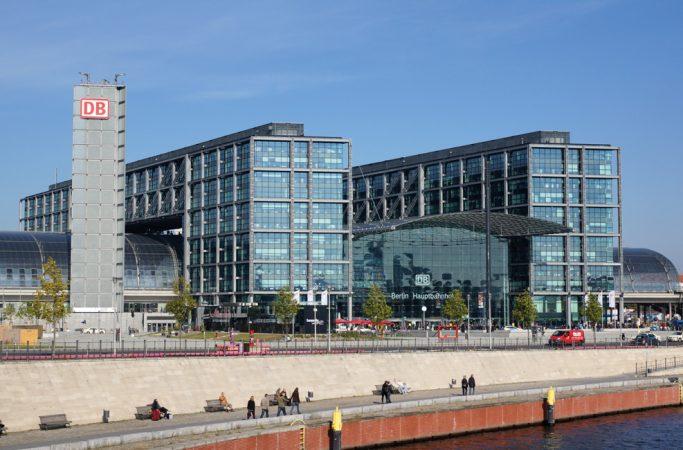 Berliner Hauptbahnhof © Allie_Caulfield / flickr.com,  CC BY 2.0 (https://creativecommons.org/licenses/by/2.0/deed.de)