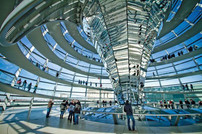 Deutscher Bundestag - Reichstagsgebäude © Filipe Castilhos / flickr.com, Wikimedia Commons / CC BY-ND 2.0, lizensiert unter CreativeCommons-Lizens by-nd/2.0-de (https://creativecommons.org/licenses/by-nd/2.0/deed.de)