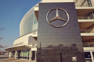 Architektur-Mercedes-Benz-Arena-Seitenansicht-300x200 Mercedes-Benz Arena in Friedrichshain