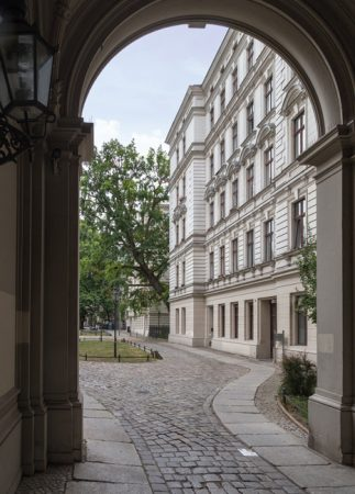 JoachimKohlerBremen, Blick aus der Yorckstraße in Riehmers Hofgarten, CC BY-SA 4.0