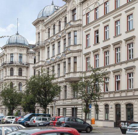 JoachimKohlerBremen, Gebäudeensemble Riehmers Hofgarten an der Hagelberger Straße, CC BY-SA 4.0