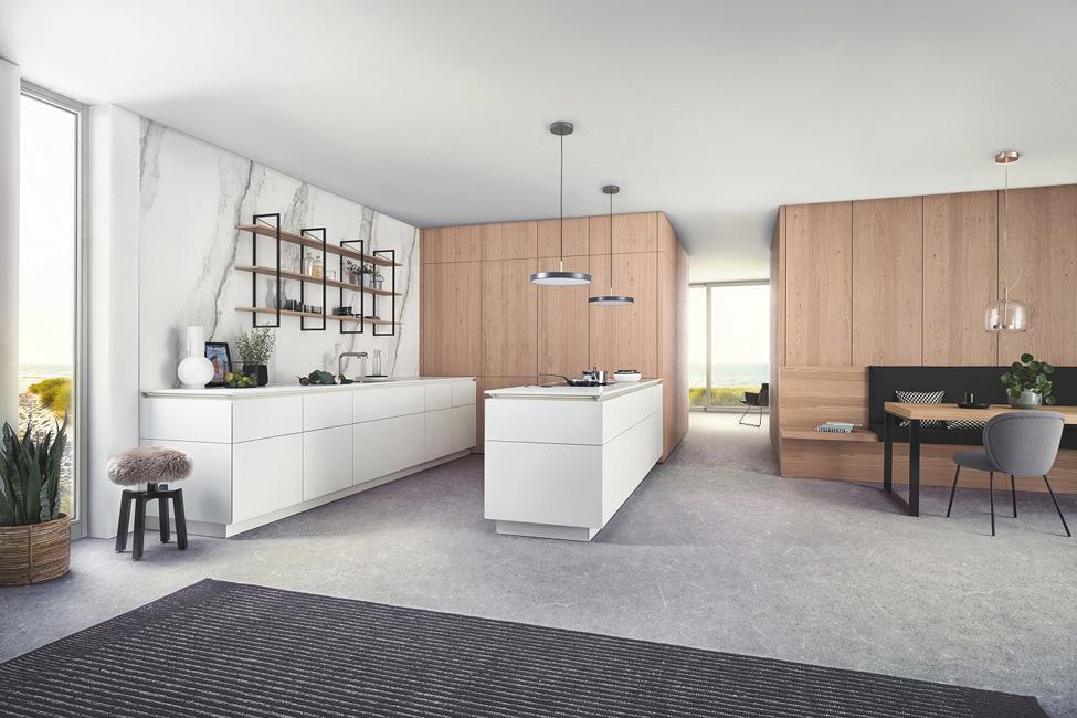 Kueche_Versteckte-Kuechen_LEICHT-Bossa-Eiche-2021 Die versteckte Küche und ein offener Wohnraum schließen sich nicht aus