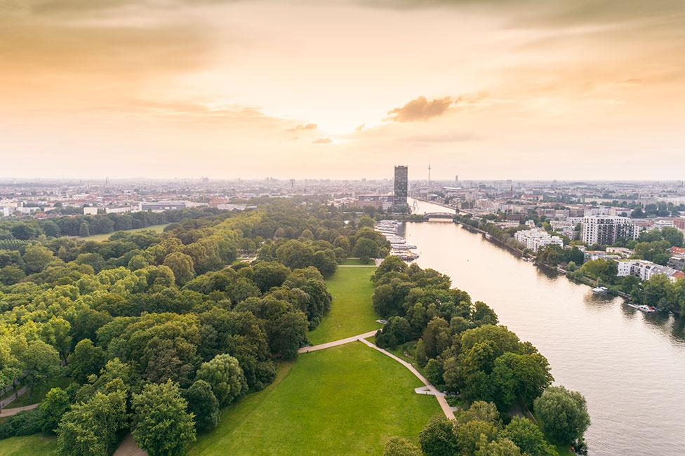 Berlin Treptower Park © mauritius images / Aurora Photos / Tamboly Photodesign
