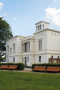 Architektur_Villa-Schoeningen-200x300 Villa Schöningen: Das versteckte Arkadien