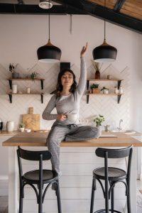 Kueche-zum-Wohlfuehlen-cozy-kitchen-stock-photo-10-200x300 Die Küche zum Wohlfühlen
