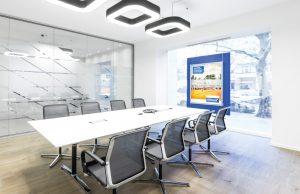 Kundler_Konferenzraum_Kundler-Finanzierungscenter-300x194 Wegweisend in herausfordernden Zeiten das Kundler Finanzierungscenter in Berlin