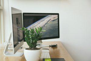 Work-at-home_workplace-1246677_Free-Photos-auf-Pixabay-300x200 Work at home: veränderter Blick auf das Wohnen